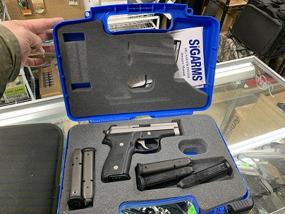 Sig Sauer P229 DAK 9mm w/6 Mags USED